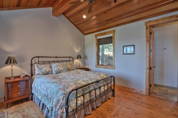 Tahoe Vacation Rentals - Lake Front House - Master suite